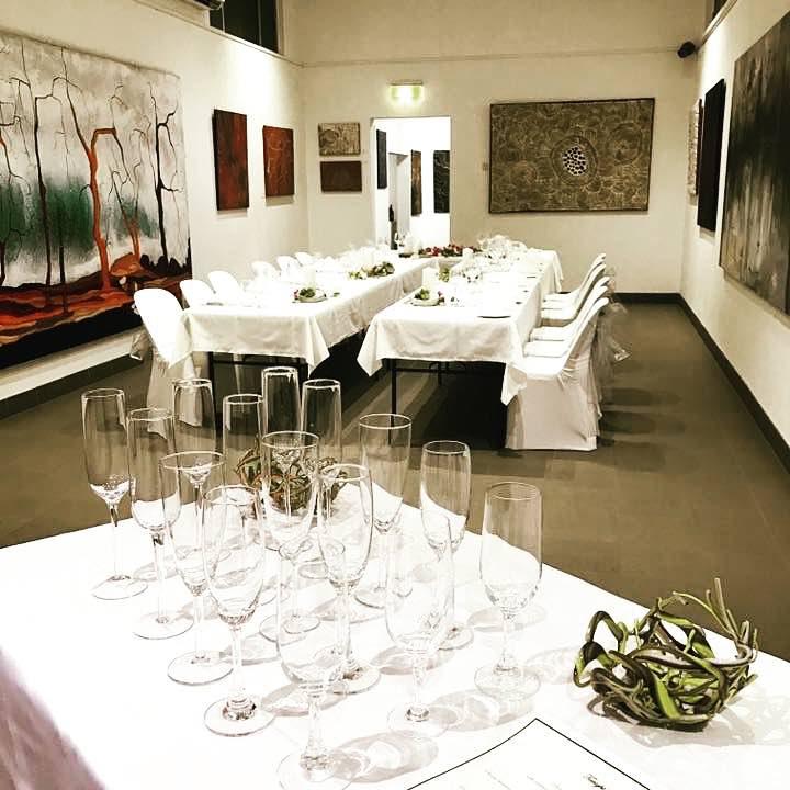 art gallery dining